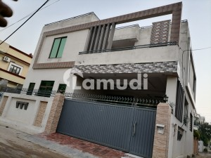 In Shadman Colony 6 Marla House For Sale