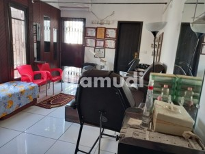 2000 Square Feet Apartement Available For Sale