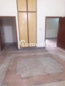 2250  Square Feet Lower Portion In Cantt For Rent