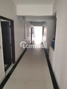 769  Square Feet Flat In Central Gulberg For Rent