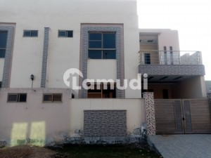 In Satiana Road 5 Marla House For Sale