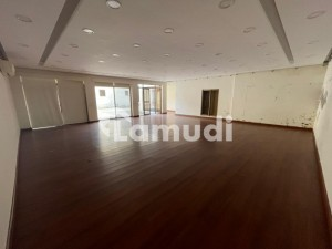 4 Kanal Commercial Building Space Available For Rent