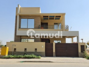 In Bahria Town Karachi House For Sale Sized 270  Square Feet