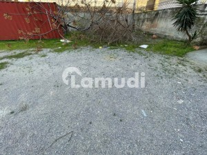 750 Sqaure Yard PLOT for sale in E-11/1