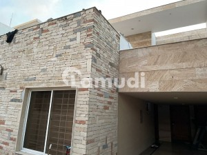 Stunning 3204  Square Feet House In G-9 Available