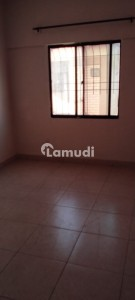 950  Square Feet Flat In Dha Defence For Sale At Good Location