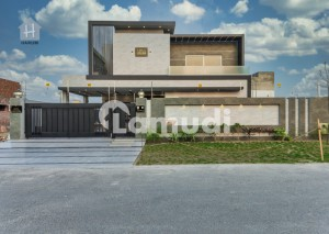 1 Kanal Modern Style Villa Came for Sale in Phase 6