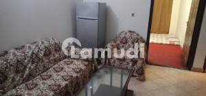 Flat Of 600  Square Feet In Mozang For Rent