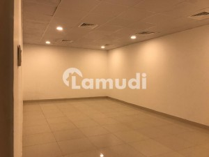 01 Kanal 07 Bed House is Available For Rent