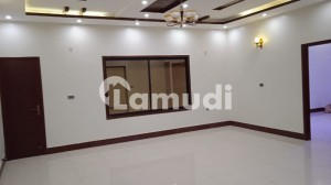 150 Sq Yards Portion For Sale 3 Bed Attached Drawing Lounge 2nd Floor Nazimabad Block 2J