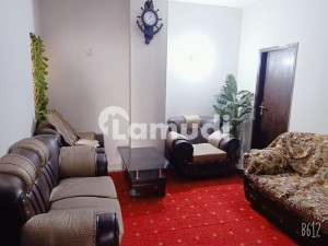 3 bed DD 1300 Square Feet Flat 3rd floor In Federal B Area For Sale At Good Location