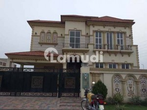 10 Marla Brand New/out Class Upper Portion For Rent In Dha-ph8