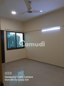 3 bed dd Flat Avalible For Rent in Main Khalid Bin Waleed Road