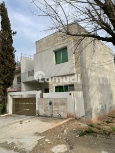 1125  Square Feet House In G-9 Is Available