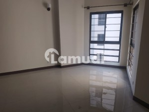10 Marla Flat Available for Rent