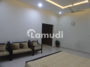 10 Marla House In Central Wapda City For Sale