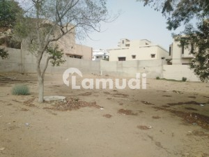 616 Sq Yd Plot Available In 150 Sq Ft Road