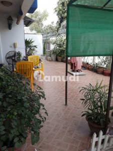 Small Complex 2 Bed Room 2000 Square Feet For Rent