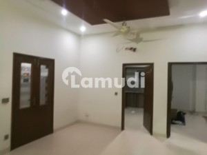 Flat Of 7 Marla In College Road Is Available