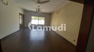 14 Marla Brand New House With Lawn In Overseas Sector