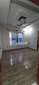 Room For Rent In G-13 (25x40)