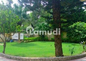 Beautiful House Prime Location Best Opportunity