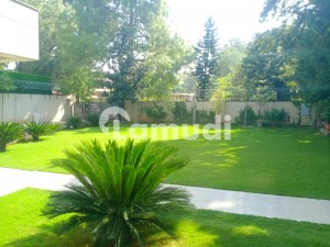 Hill Road Front Back Open Independent Portions Ambassadorial House