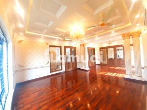 1 Kanal House For Rent In Johar Town At Very Ideal Location Very Close To The Main Road And Commericals
