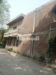 Mm Alam Road Building For Rent