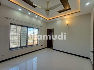 Barnd New Flat Apartment For Rent In Bahria Town Phase 7 Spring Commercial Near Clock Tower