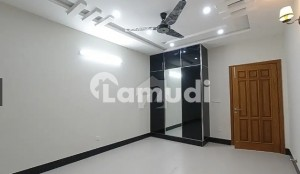 B-17 What A Outstanding Location Main Road Corner 2 Kanal Plot For Sale