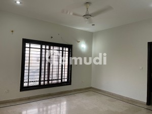 Chance Deal Upper Portion For Rent