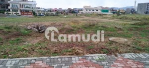 Good Location Level Plot For Sale In F17