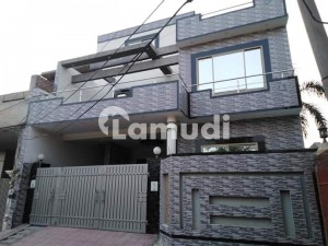 A Stunning House Is Up For Grabs In Stadium Road Sargodha