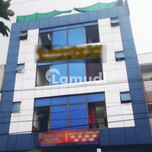 Get A 2250  Square Feet House For Rent In Commercial Market