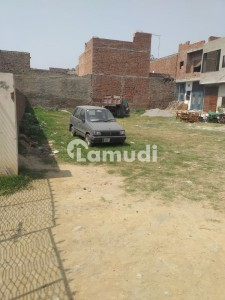 Commercial Plot Of 9000  Square Feet For Rent In Azimabad