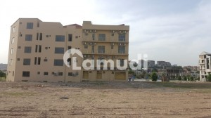 Stunning 1125 Square Feet Flat In DHA Defence Available