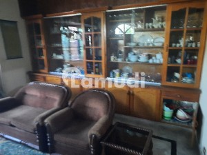 johar town 10 marla 60 fit road commercial proparty for sale