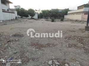 400 Sq. Yards Residential Plot On Main 150 Ft Road Next To Corner