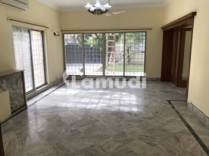 Luxurious House Available For Rent F-7