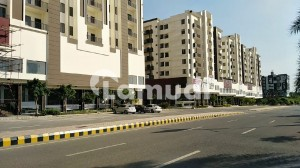 1200 Square Feet Flat For Rent In Beautiful Gulberg