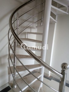3 Bed luxurious Penthouse (paid Terrace)Availabel For sale (Rental Value 45000-50000)