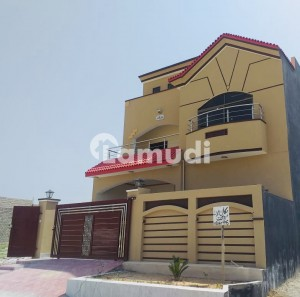 Beautifully Designed 2 Storey House High Quality , Great Views