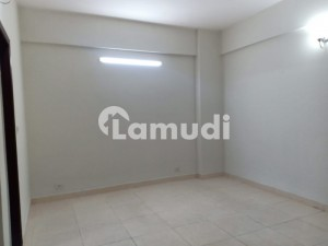 Open View Central Location 10 Marla 3 Bed 1st Floor Flat For Sale In Askari 11 Lahore With Gas