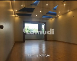 500 Yards Bungalow For Sale In Clifton