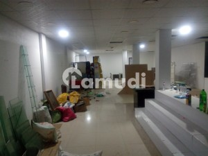 Fully Decorated Hall 3300 Sq Ft 1st Floor Prime Location