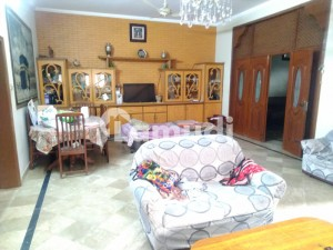 10 Marla Corner House available for Sale in wapda town