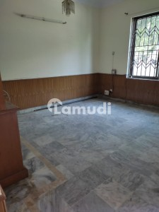 900  Square Feet House Ideally Situated In G-11