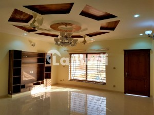 Shehzad Town 4 Bed Double Story 9 Marla For Rent