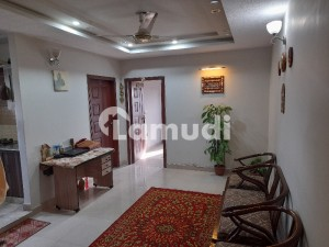 Aesthetic Flat Of 800  Square Feet For Rent Is Available